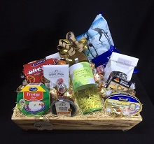 52 - WINE AND GOURMET HAMPER