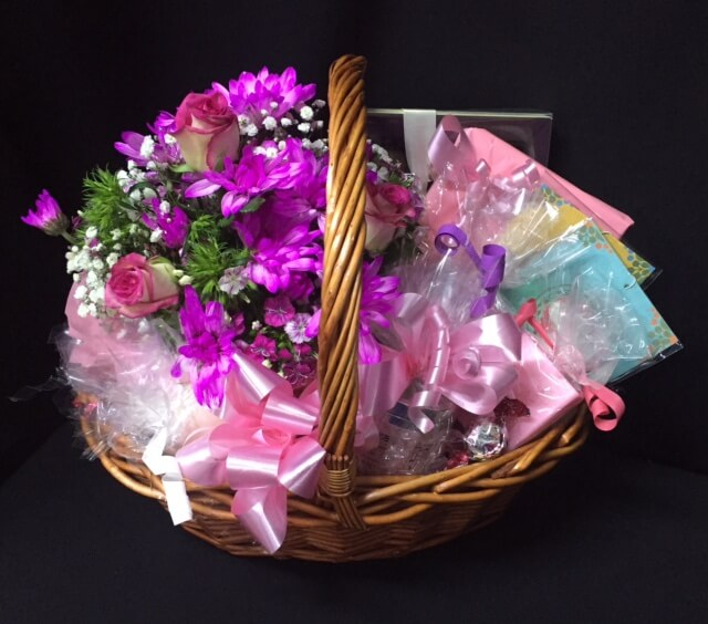 Gift baskets for her archives baskets of delight 30 flowers cottage basket negle Gallery