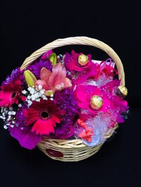 30 - FLOWERS & COTTAGE BASKET
