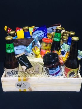 78 - BEER AND NIBBLES HAMPER TRAY