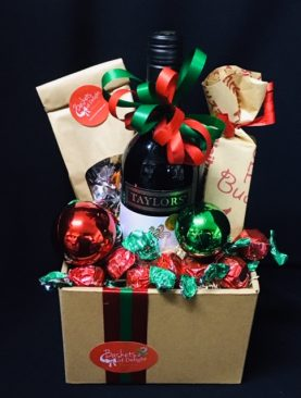 15 - CHRISTMAS DELIGHTS - RED WINE & CHOCOLATES