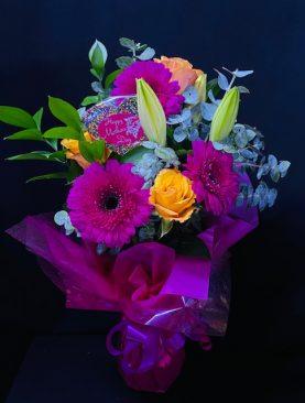 09 - VASE OF FRESH FLOWERS